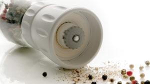 mlinček za začimbe Status - sivi vijak za nastavitev debeline mletja