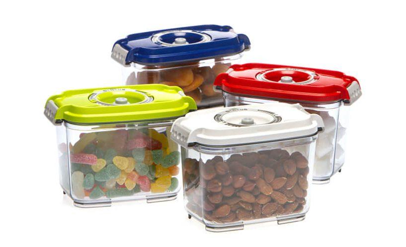 Pravokutne vakumske posude za hranu različitih boja.