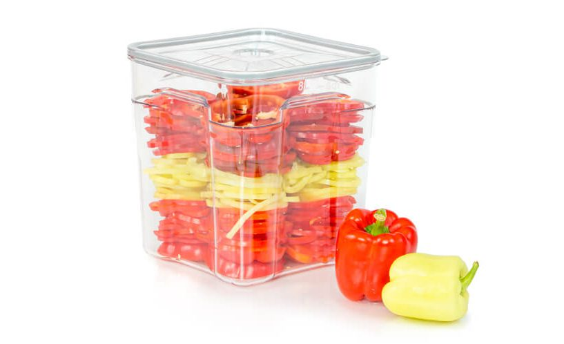 8-litarska profesionalna vakuumska posuda u kojoj je pohranjena paprika.