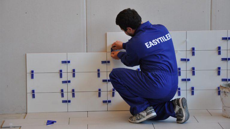 Easytiler sustav za ravno postavljanje keramike na djelu