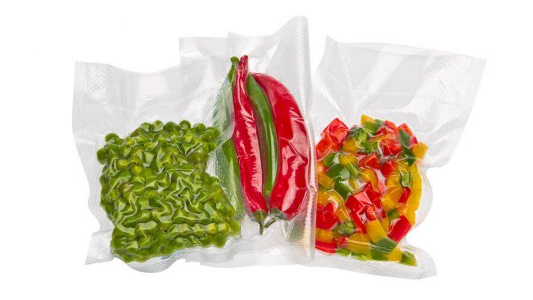 Zavakuumirana paprika i feferoni u vakuumskim vrećicama