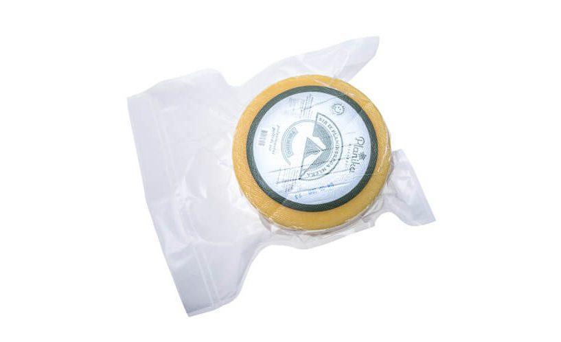 Kolut sira zavakumiran u XL vrećicu za vakumiranje Status.