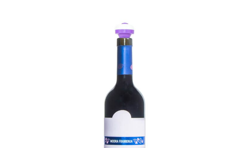 vakumski čep za vino na butelji.